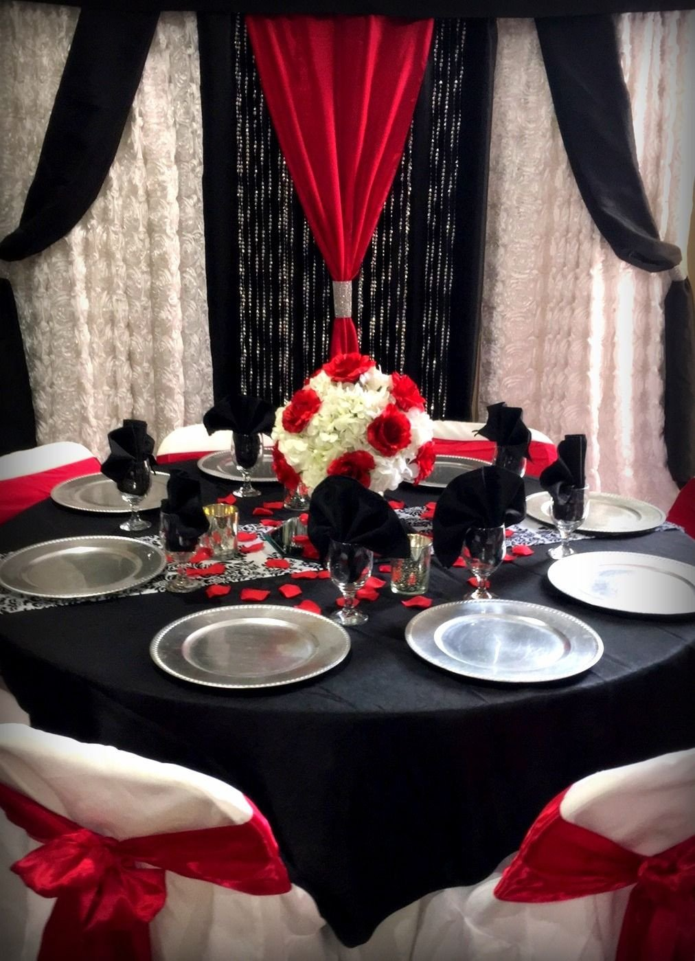 Red and Black Table Decor Luxury Red Black and White Table with Matching Backdrop In 2019