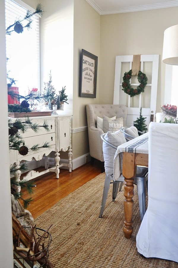Room Decor for Small Rooms Awesome Simple Rustic Christmas Dining Room Decor Liz Marie Blog