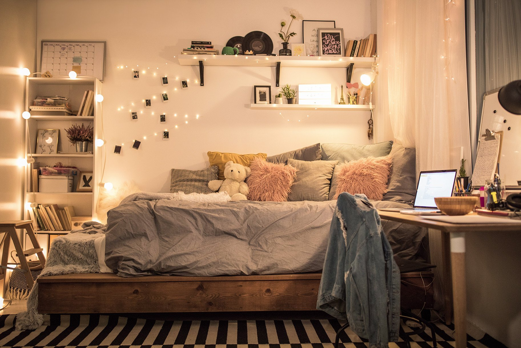 Room Decor Ideas for Girl Inspirational Stylish sophisticated Ways to Decorate A Dorm Room