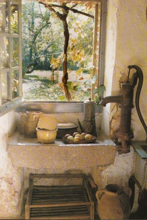 Rustic French Country Cottage Decor Elegant Wow Both Sink and Pump are Ancient Rustic French Chic Decor Pinterest