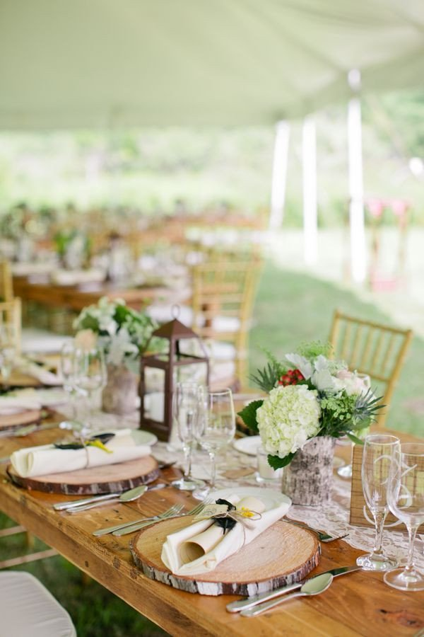 Rustic Table Decor for Weddings Beautiful New York Farm Wedding Rustic Wedding Table Decorations