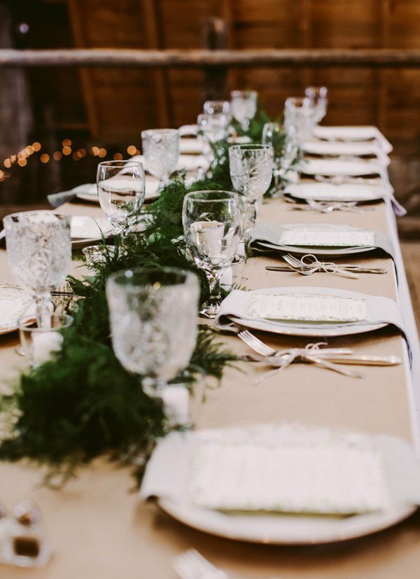 Rustic Table Decor for Weddings Elegant Rustic Colorado Barn Wedding Rustic Wedding Chic