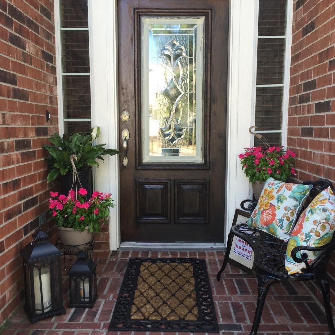 Small Front Porch Decor Ideas Beautiful Decorating Ideas for A Small Front Porch • Porches Ideas