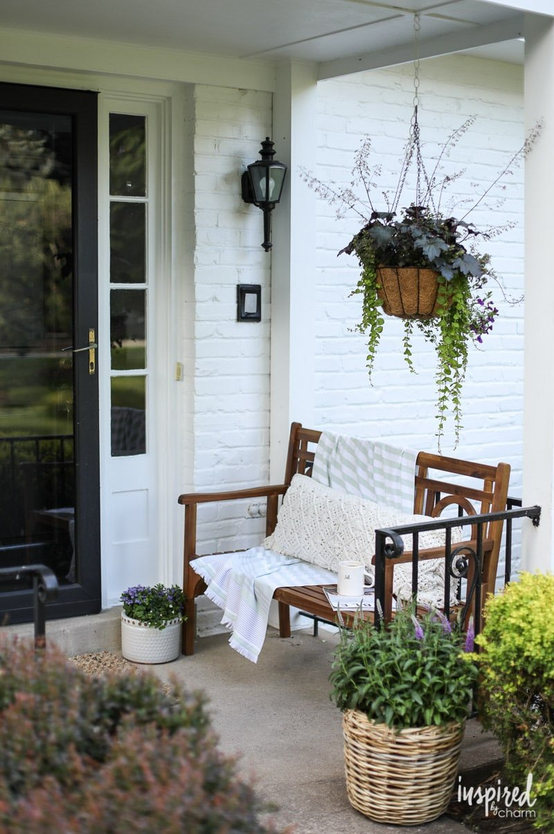 Small Front Porch Decor Ideas Beautiful Front Porch Decorating Ideas and Outdoor Styling Tips