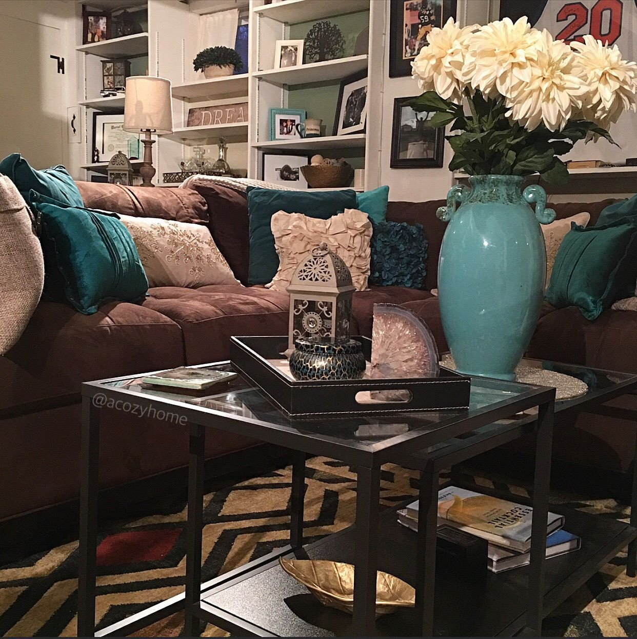 Teal and Brown Home Decor Elegant Cozy Brown Couch with Teal Accents Turquoise and Brown Built In Shelves Ikea Nesting Table