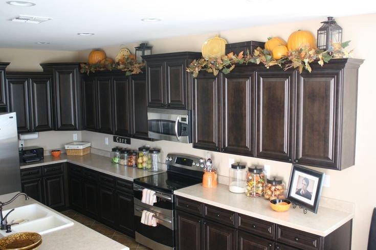 Top Of Cabinet Decor Ideas Luxury Lanterns On top Of Kitchen Cabinets Decor Ideas
