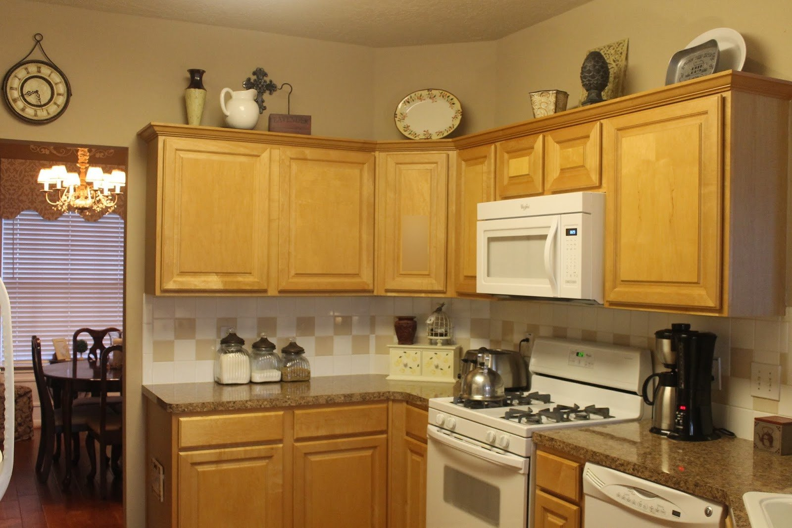 Top Of Kitchen Cabinet Decor Beautiful Texas Decor Rearranging the tops Of My Kitchen Cabinets