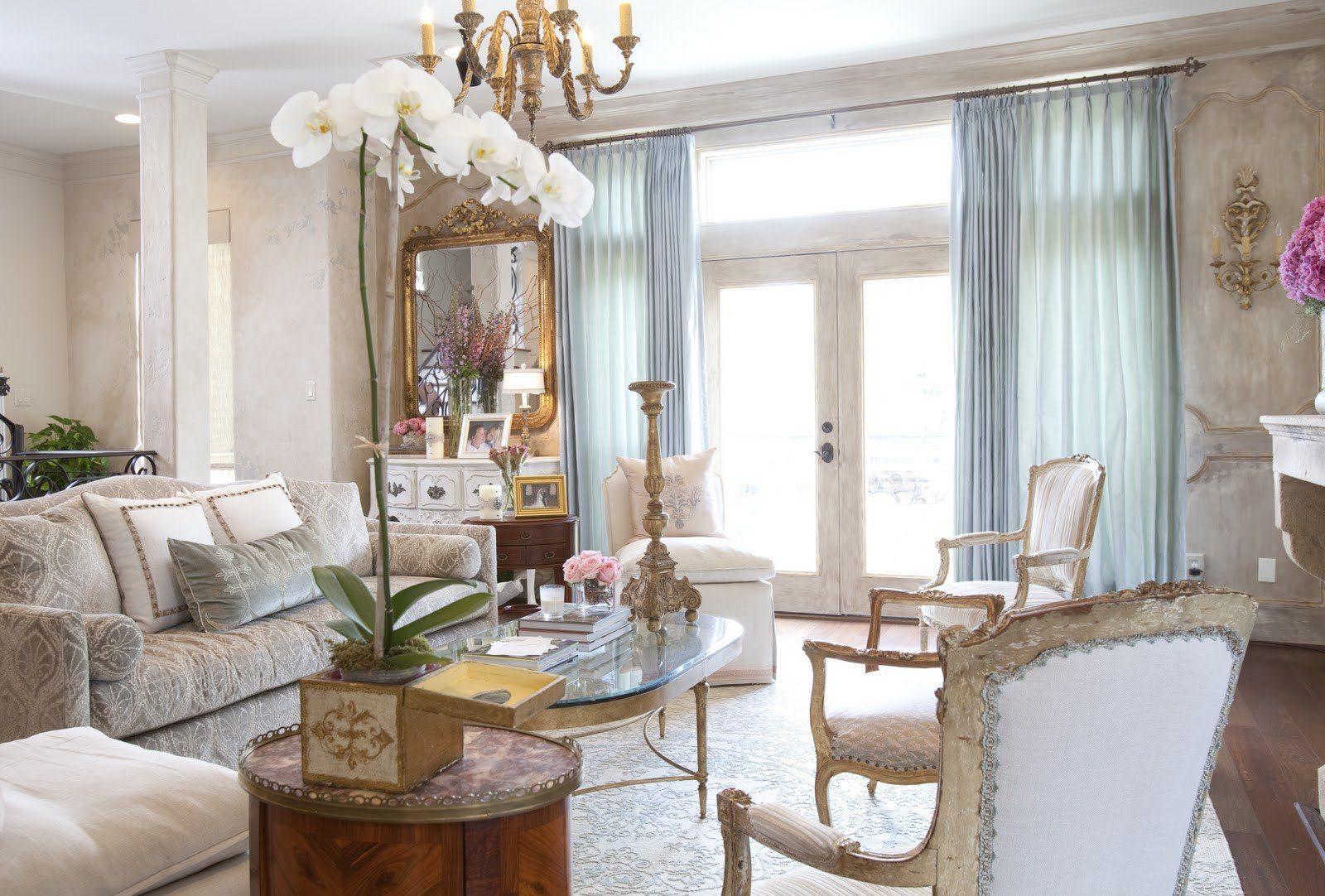 Traditional Chic Living Room Best Of Dodson Interiors Parisian Chic townhouse