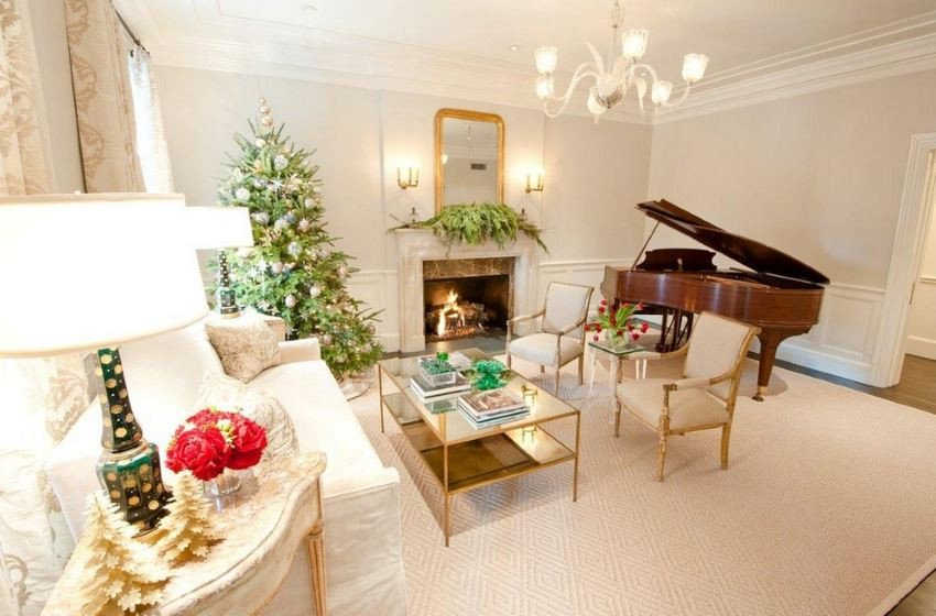 Traditional Christmas Living Room Lovely 10 Rooms with Festive Christmas Trees