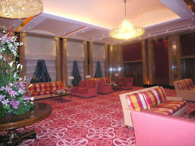 Traditional Living Room toronto Luxury Luxury Arabian Family Diwaniya Ballroom & Villa Traditional Living Room toronto by