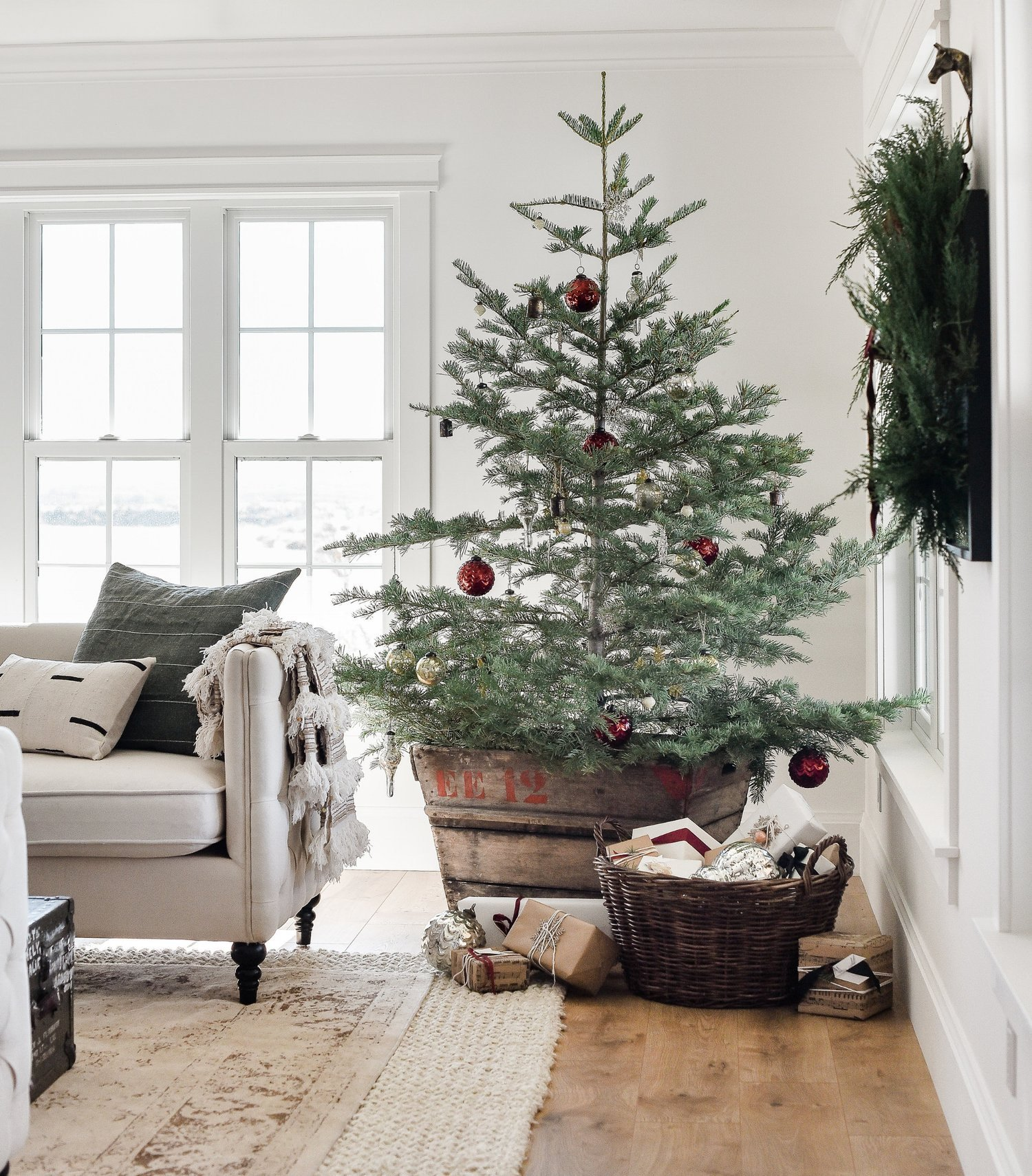 Tree Decor for Living Room Beautiful Farmhouse Christmas Decor Living Room & Tree Ideas — Boxwood Avenue