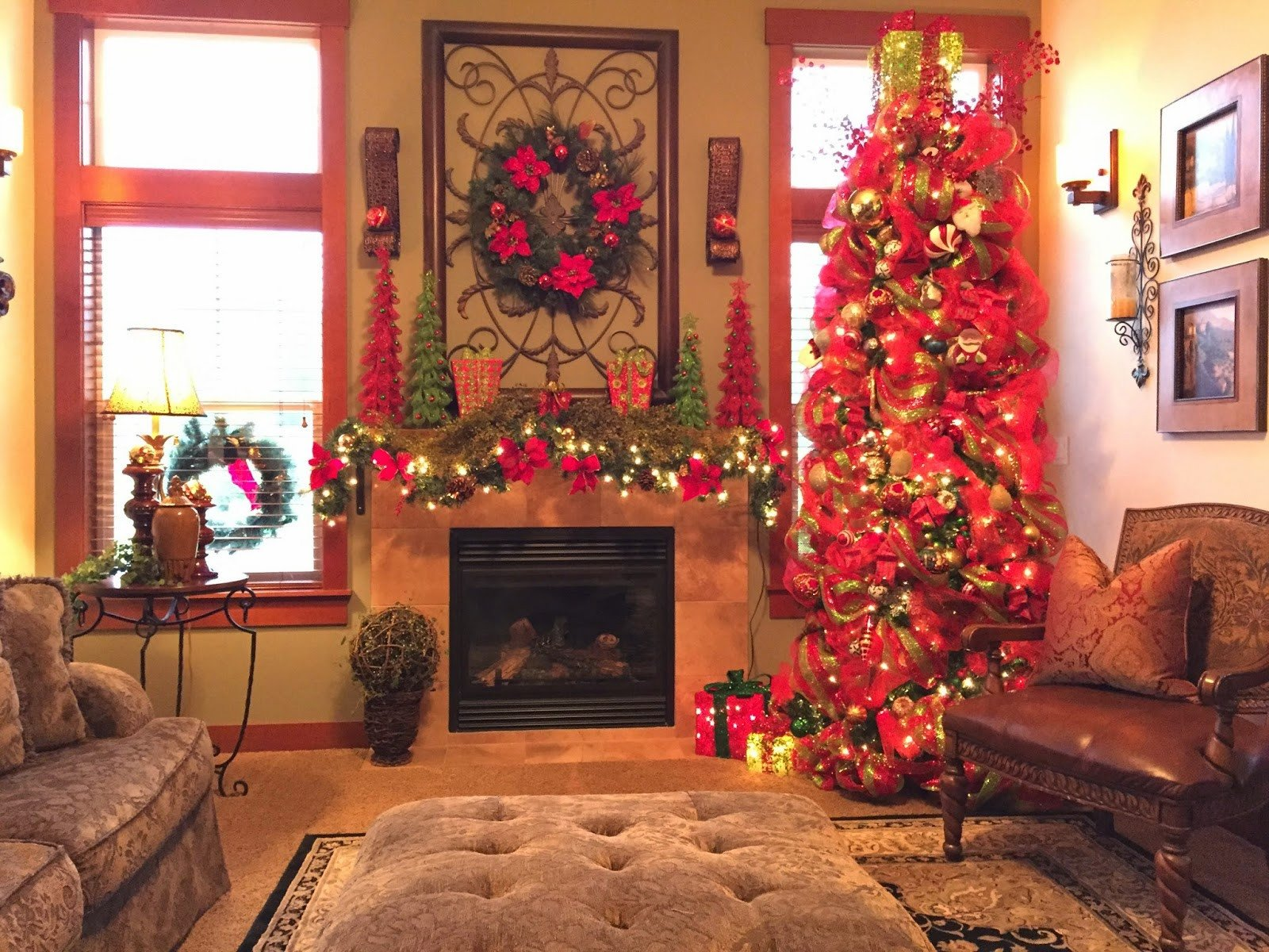 Tree Decor for Living Room Beautiful the Tuscan Home the Living Room Christmas Tree