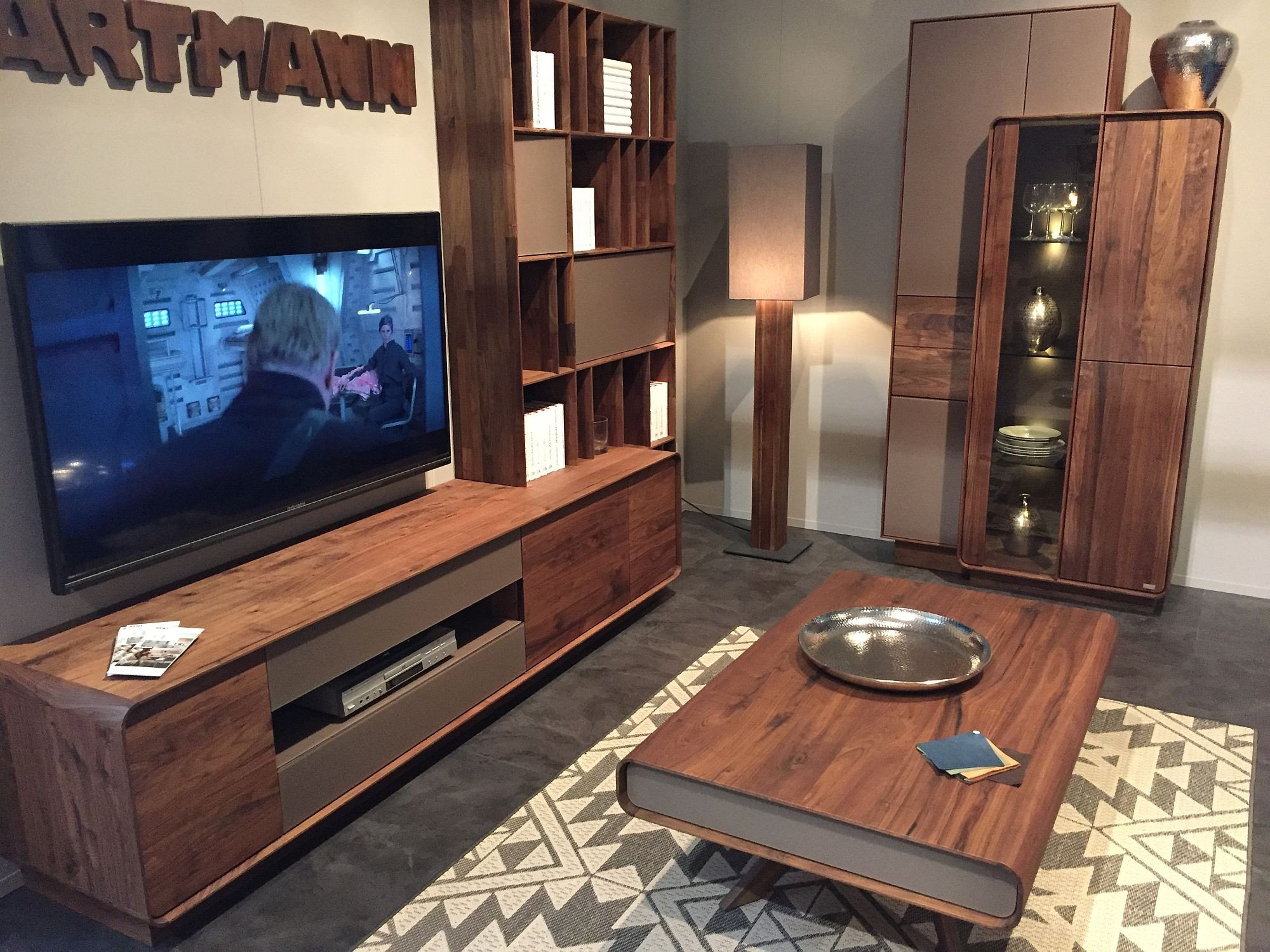 Wall Decor Ideas In Your Living Room Beautiful Trendy Panache Smart Ways to Decorate with Bookshelves