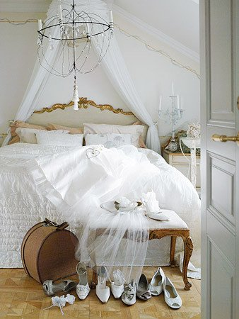 White and Gold Bedroom Decor New theme Design Decorating Ideas In White House Furniture