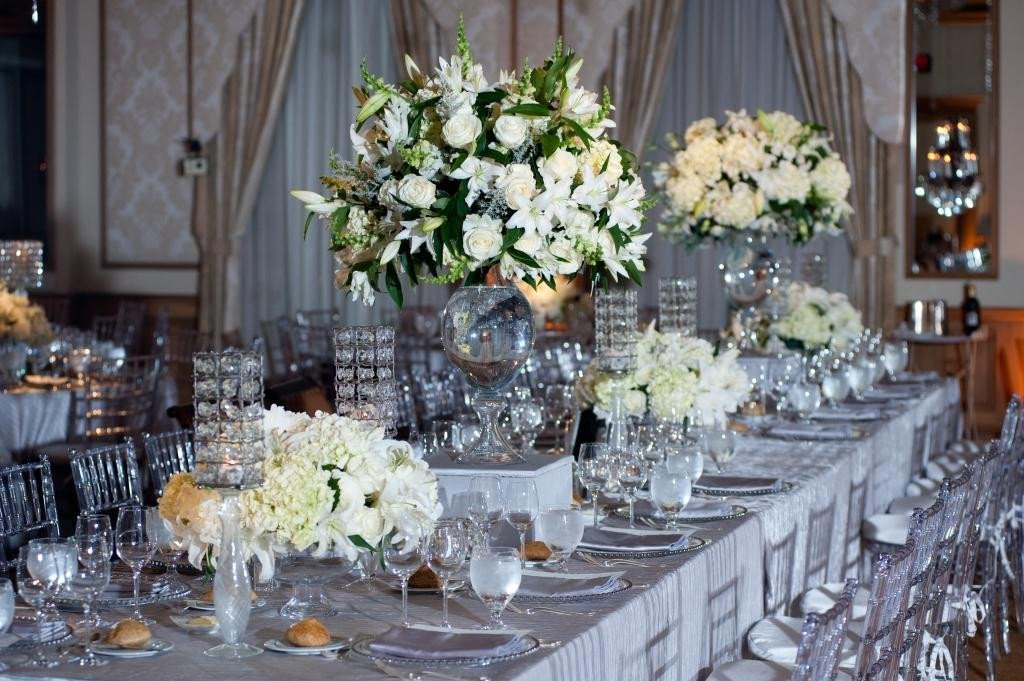 White and Silver Wedding Decor Awesome Anatomy Of A Dinner Party the Perfect Holiday Flowers Guest Post