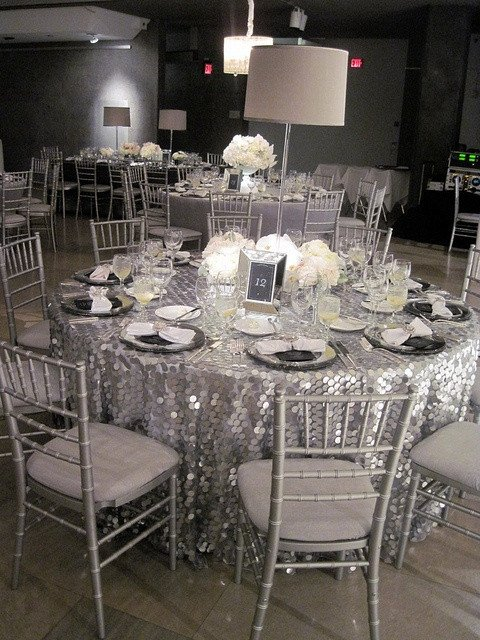 White and Silver Wedding Decor Elegant 32 Silver and White Winter Wedding Ideas Weddingomania