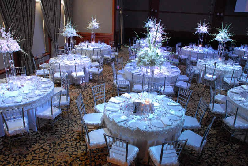 White and Silver Wedding Decor Lovely Elegant White & Silver Wedding theme