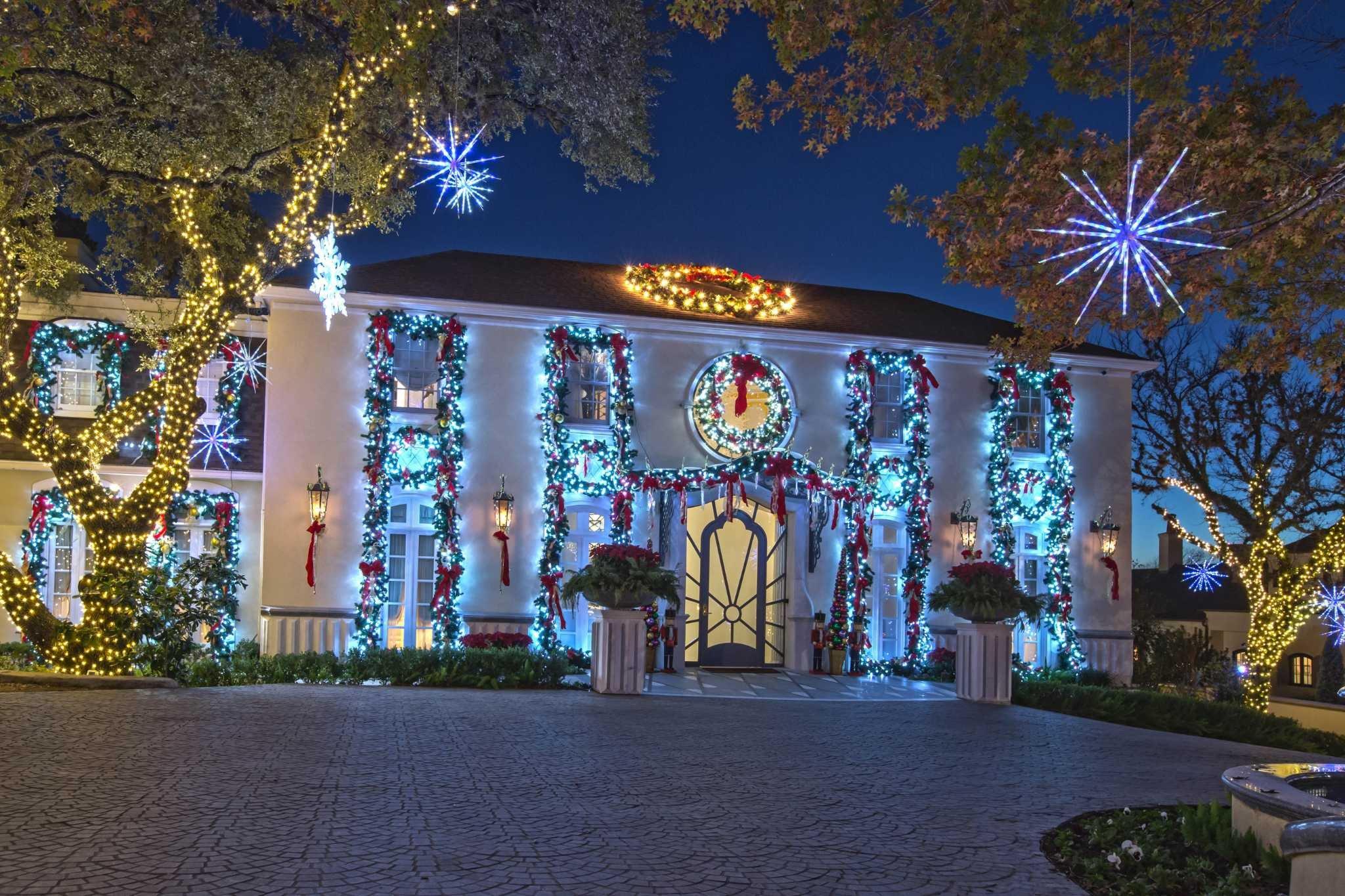 World Of Decor San Antonio Elegant Christmas Decor A Peek Inside San Antonio's Most Lavishly Decorated Homes Expressnews