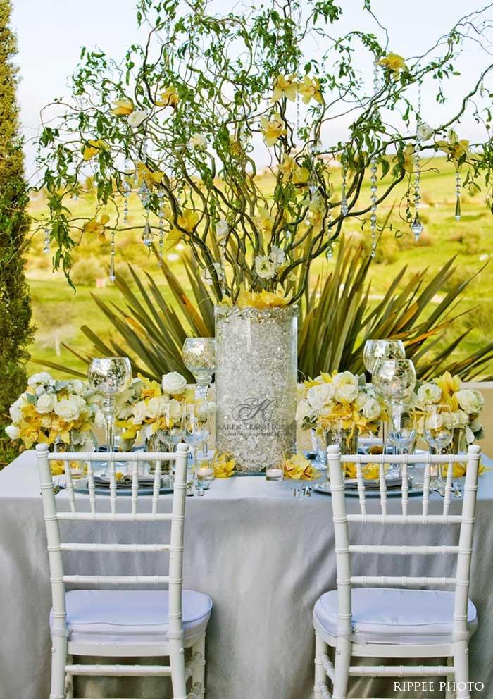Yellow and Grey Wedding Decor Fresh Yellow and Gray Inspiration for the Fresh and Subtly Glamorous Wedding