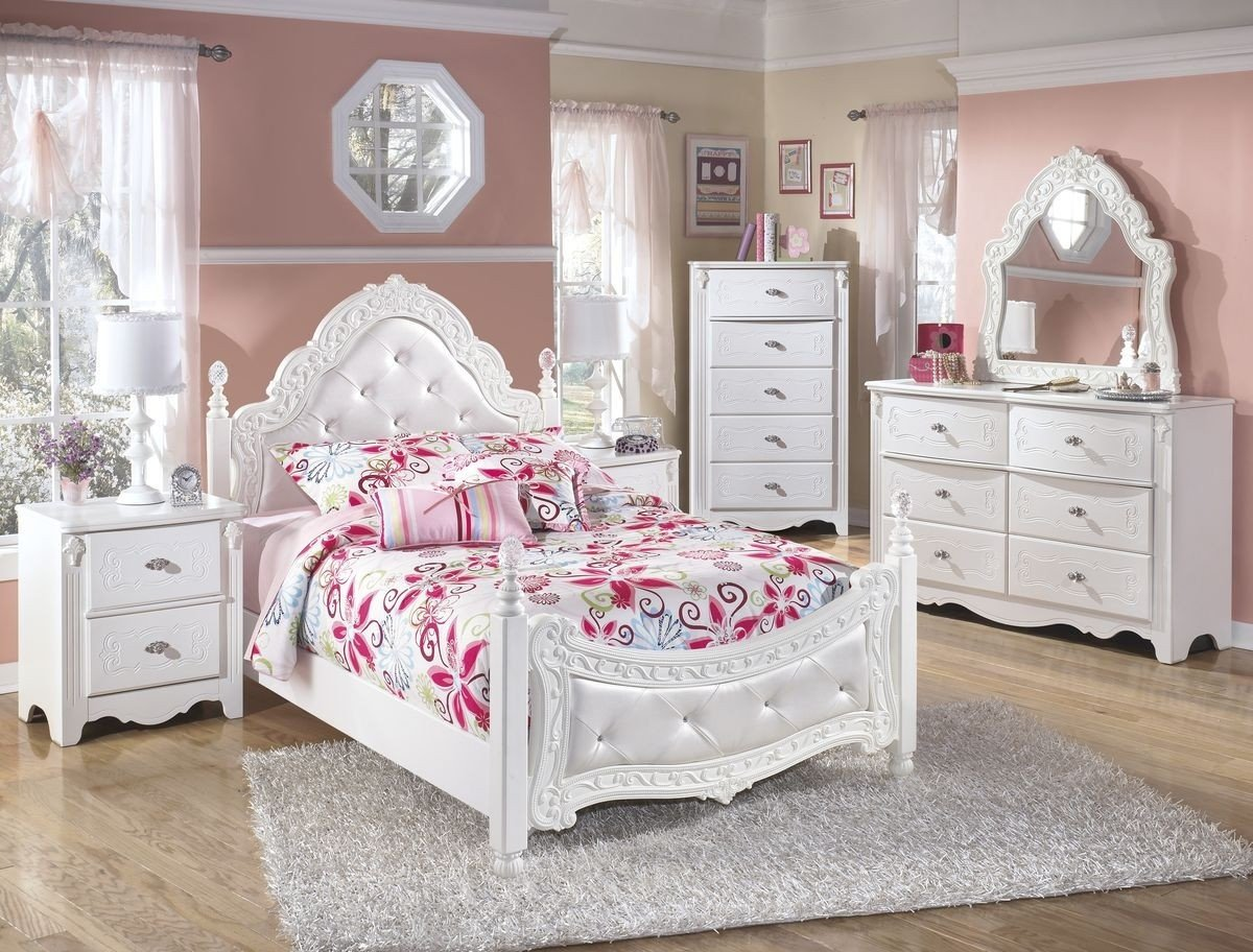 Ashley Catalina Bedroom Set Luxury ashley Furniture Exquisite Padded Poster Bedroom Set In White