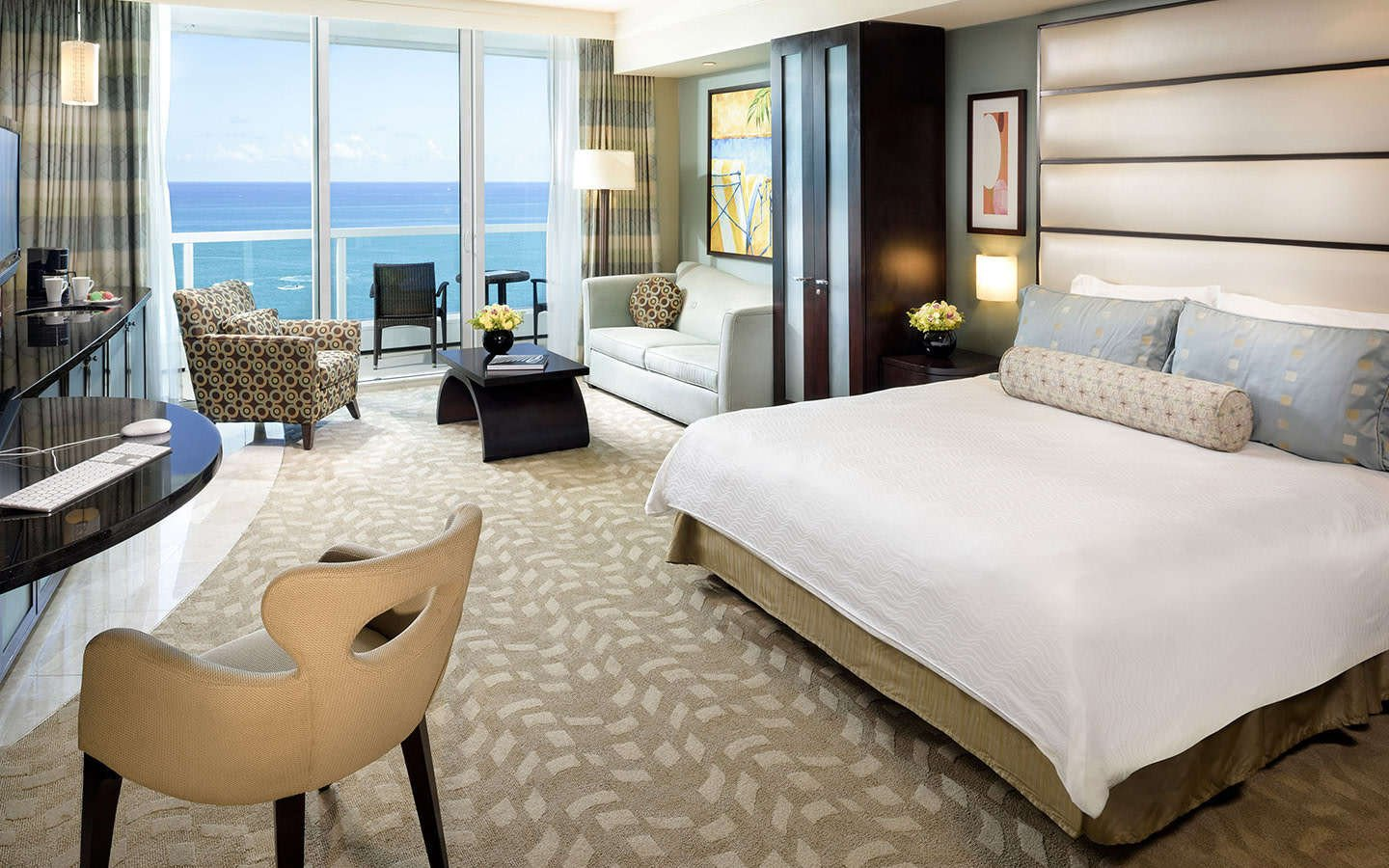Beach Style Bedroom Furniture Awesome Fontainebleau Miami Beach Special Fer Sweet Suite Bleau