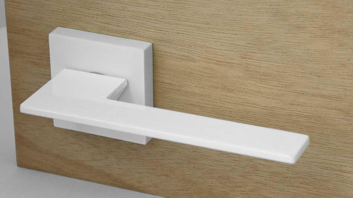 Bedroom Door Handle with Lock Lovely Thor White Lever Handle Bedroom Doors In 2019