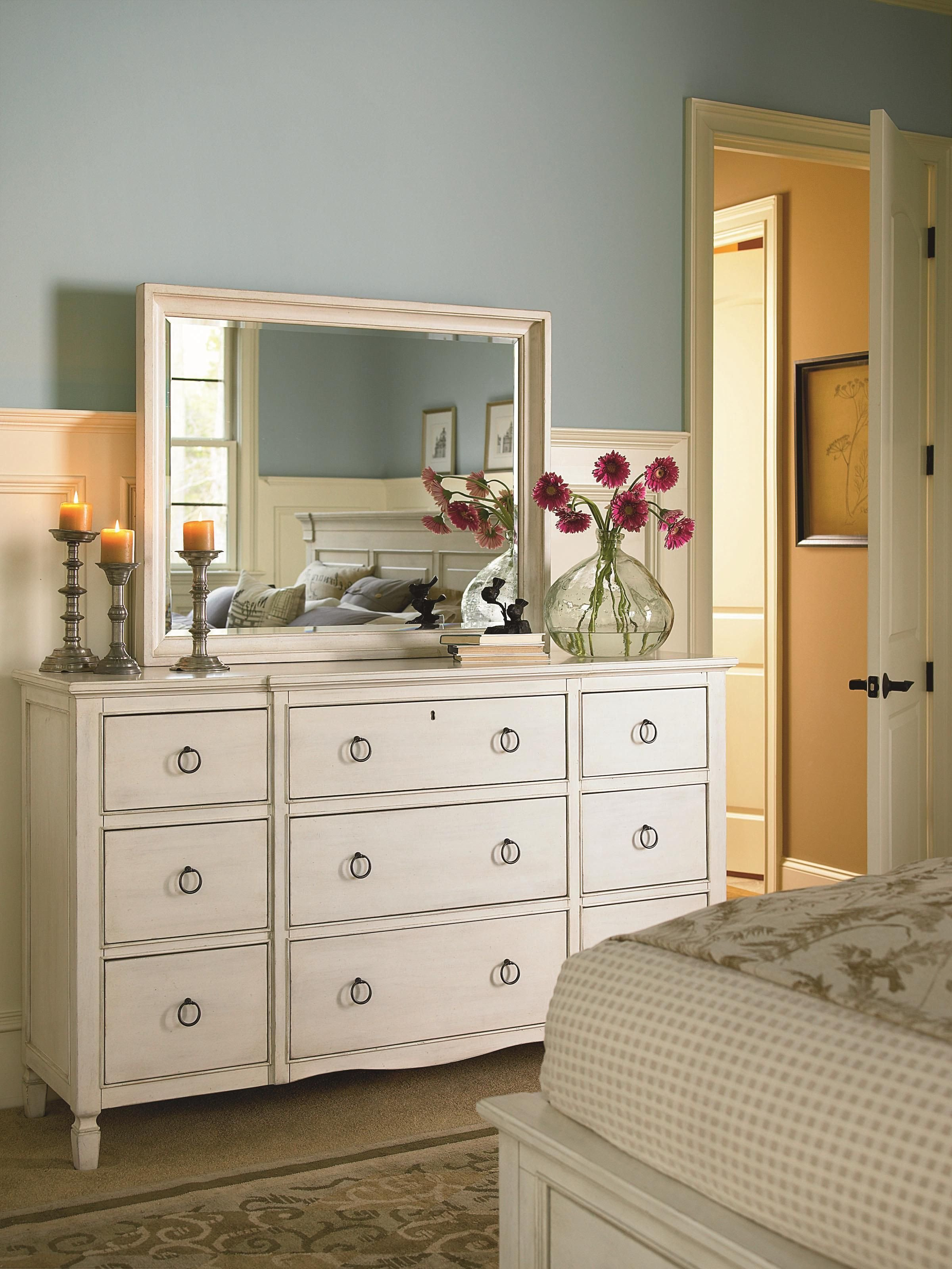 Bedroom Dressers On Sale Lovely Summer Hill 9 Drawer Dresser with Break Front by Universal
