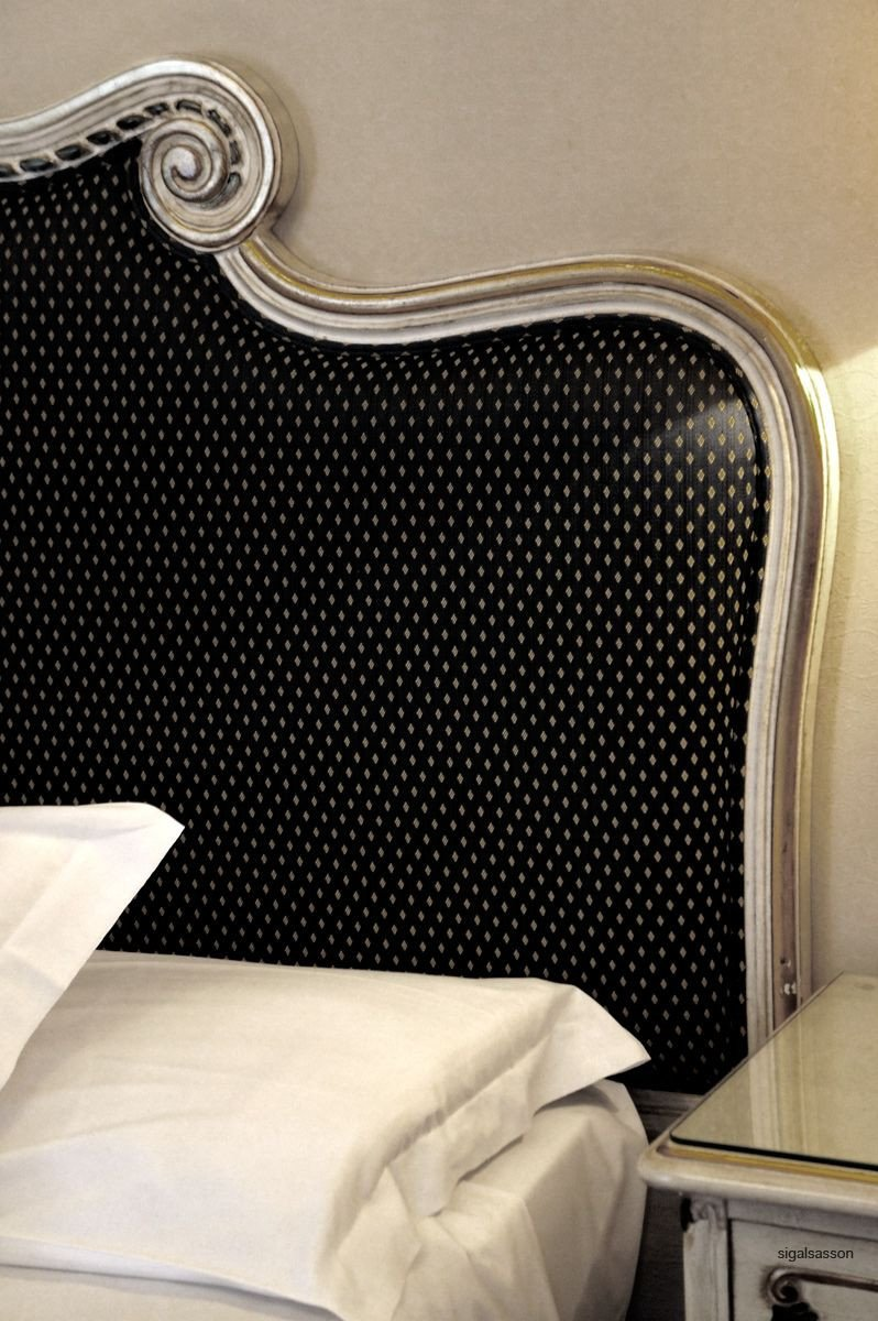 Black and Silver Bedroom Set Elegant What An Elegant Black and Silver Headboard In Venice