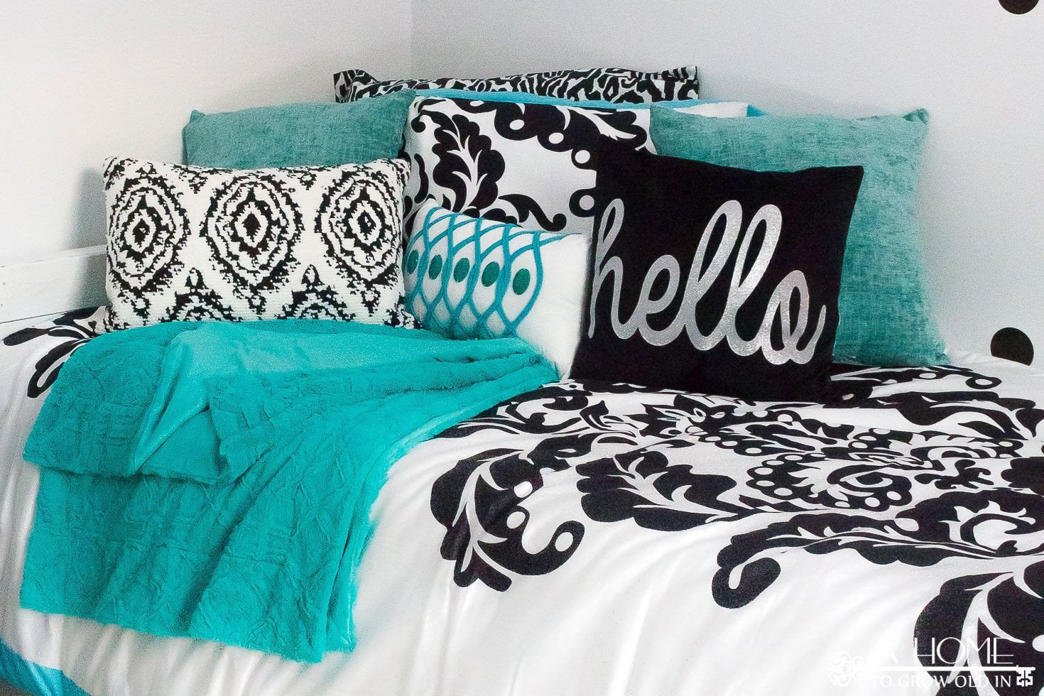 Black and White Teenage Bedroom Best Of Teal Black and White Girl S Bedroom Reveal with Bloggers