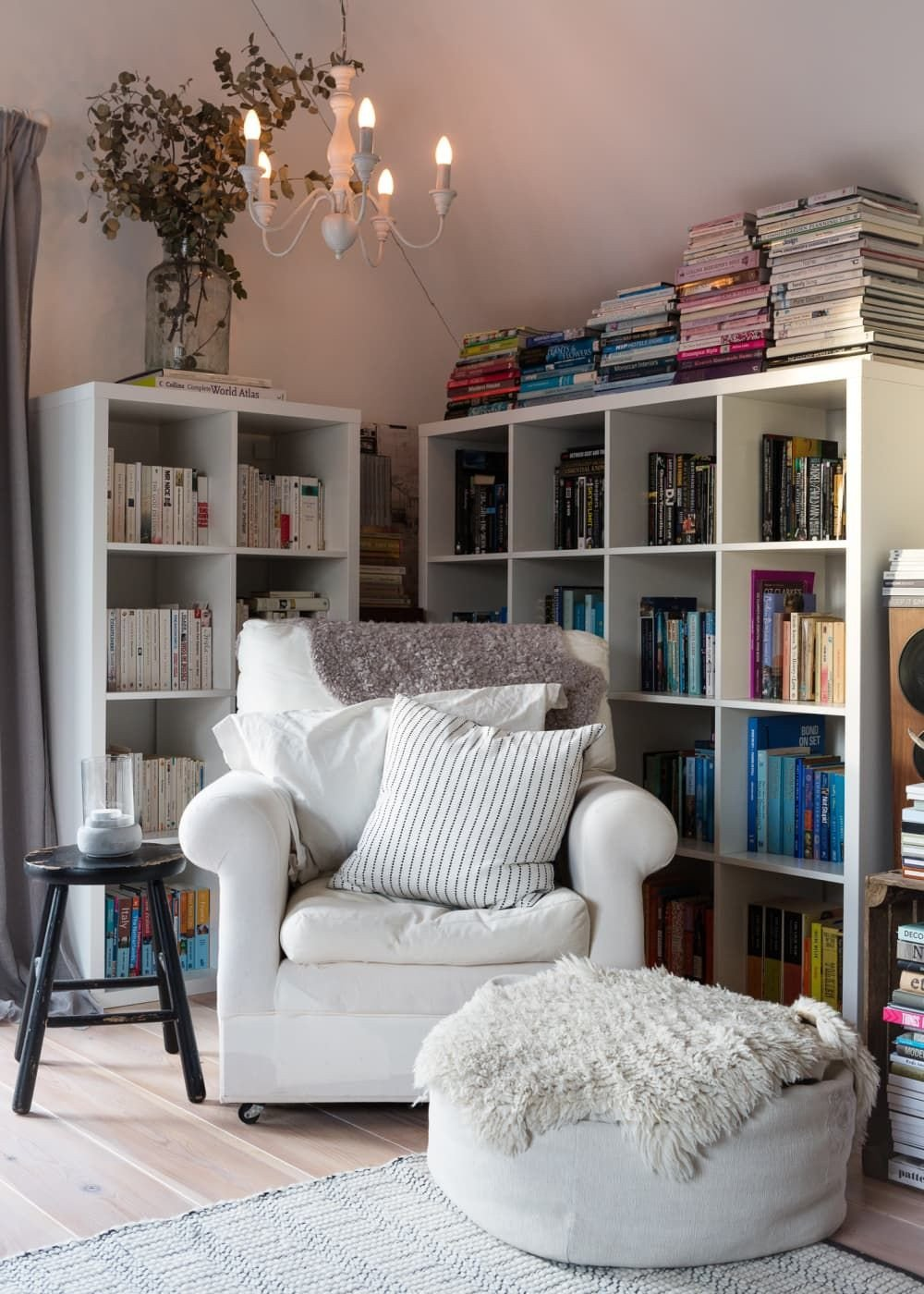 Comfy Reading Chair for Bedroom Best Of How to Fit A Reading Nook Into the Smallest Of Spaces