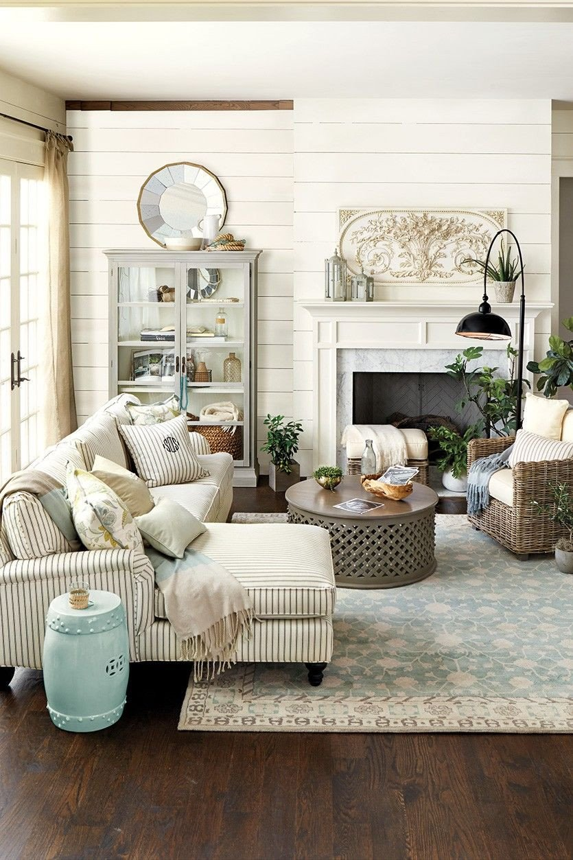 French Country Bedroom Ideas Unique Trending Fretwork
