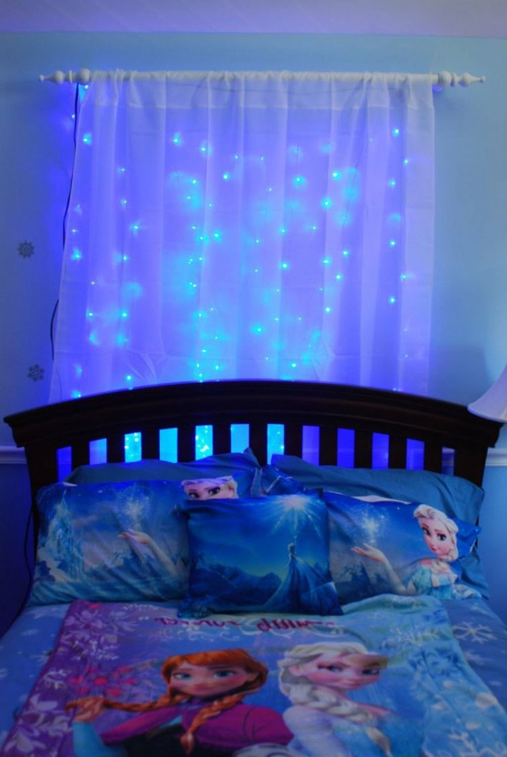 Frozen themed Bedroom Ideas Inspirational Frozen themed Girls Room with Frozen theme Bedding