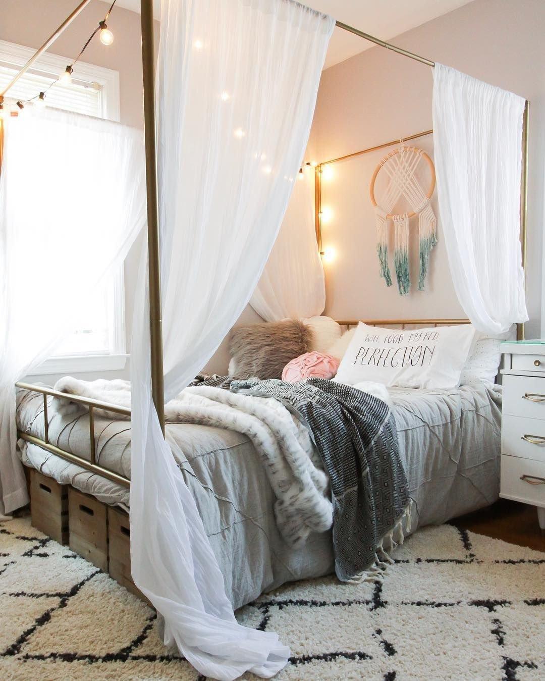 Girl Canopy Bedroom Set Elegant Teen or Tween Girl Bedroom