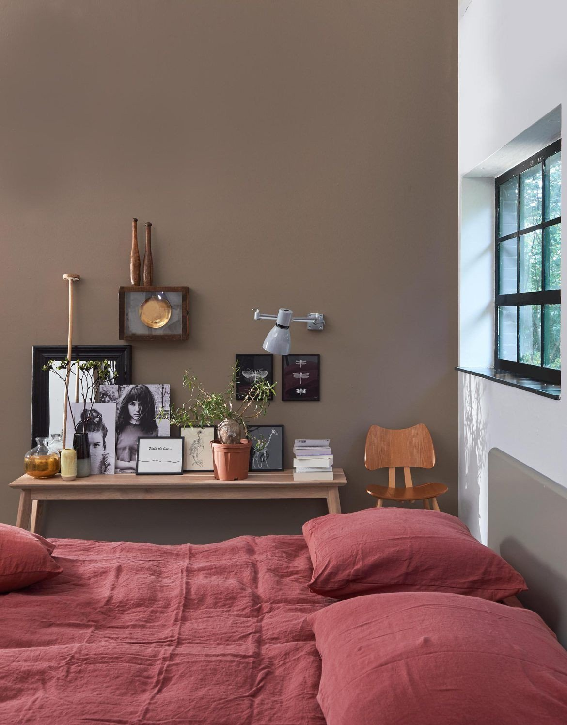 Green and Brown Bedroom Beautiful 10 Tips for Creative Gallery Walls