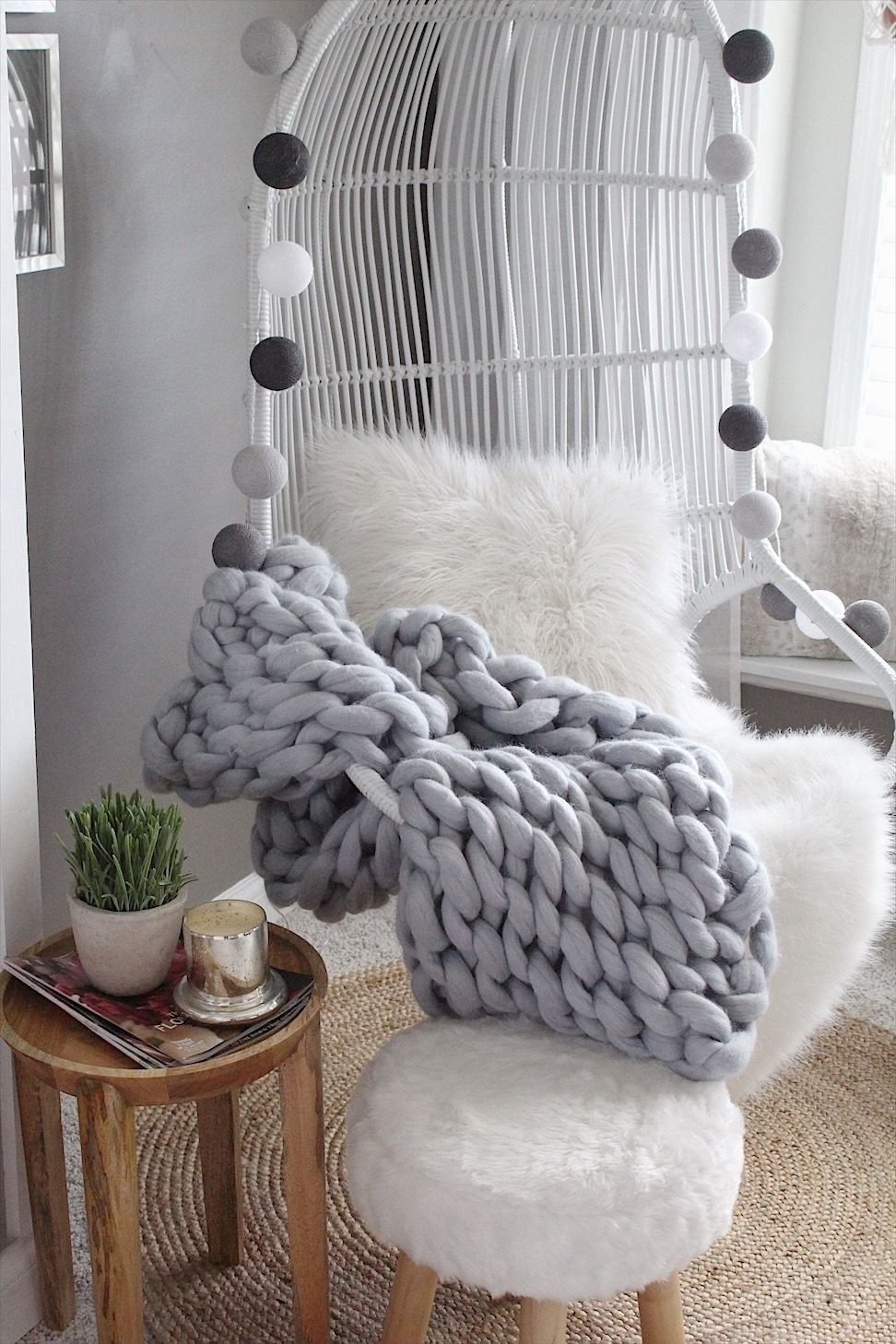 Hanging Chairs for Bedroom Elegant 5 Key Accessories Incorporated with Hanging Chair Vignette