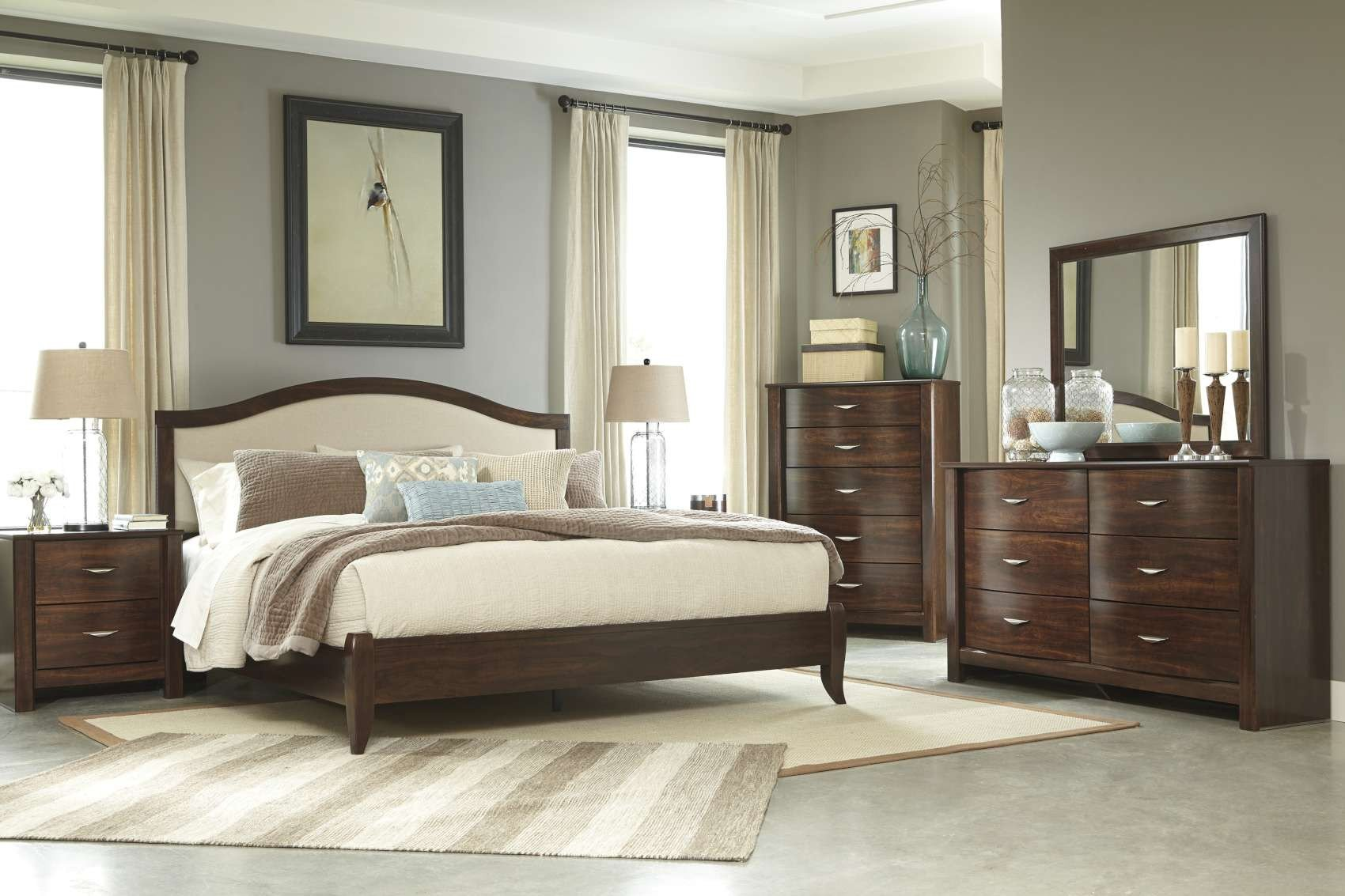Juararo Queen Bedroom Set Luxury Corraya Medium Brown Bedroom Collection B428