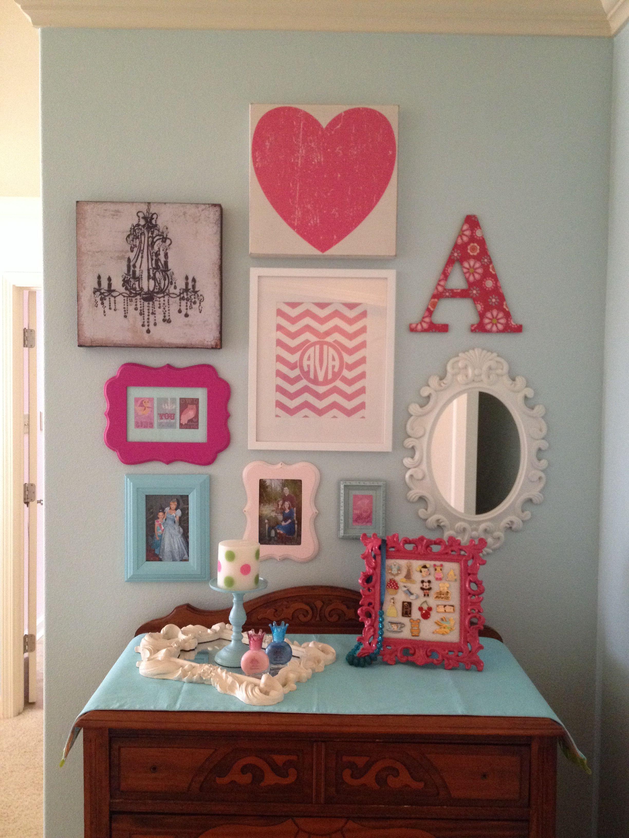 Kid Bedroom Decorating Idea Elegant Girls Room Gallery Wall