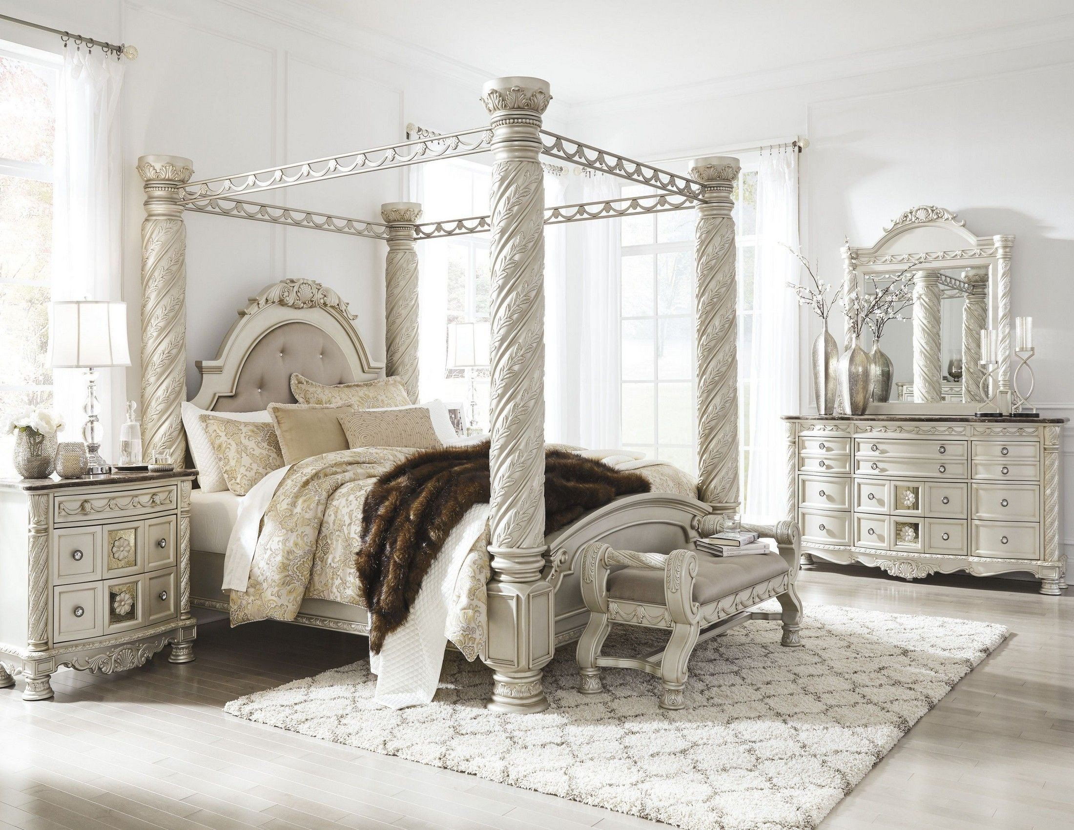 King Size Poster Bedroom Set Luxury Cassimore north Shore Pearl Silver Upholstered Poster Canopy