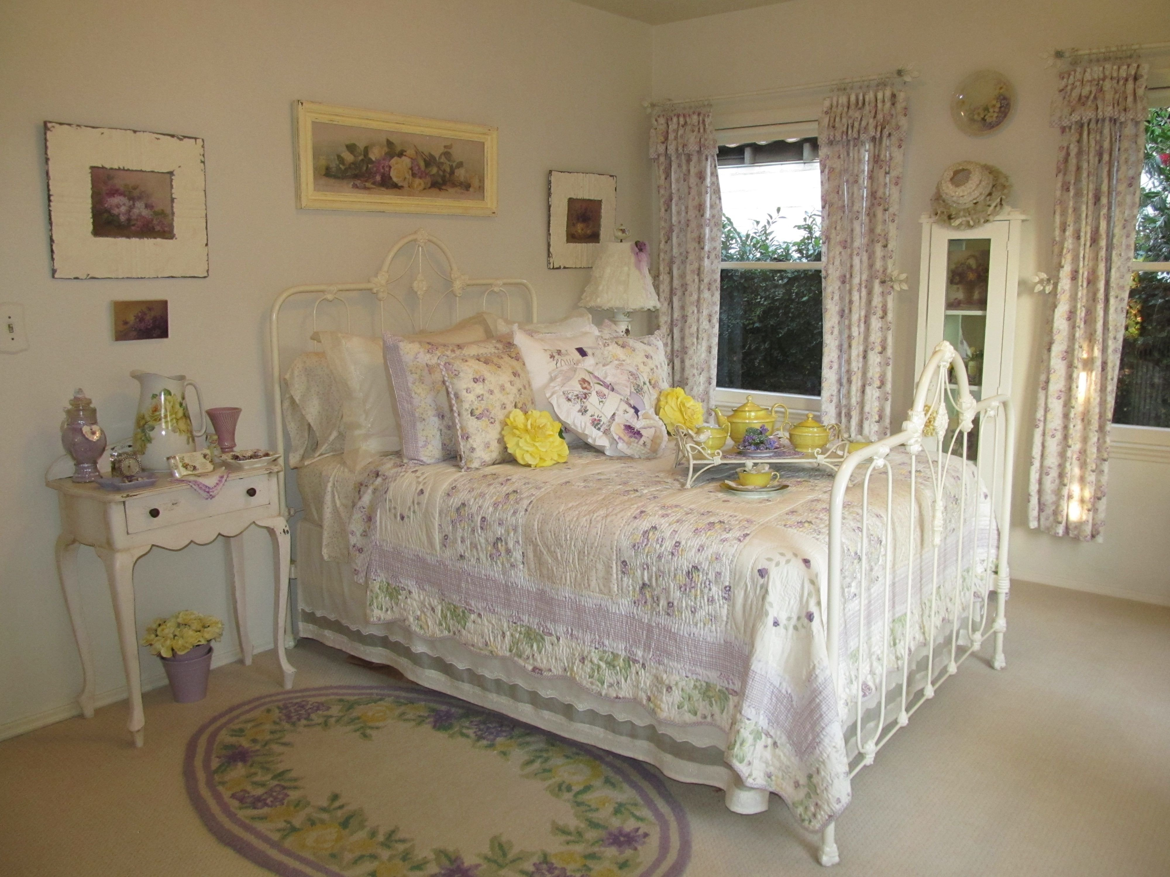 Lavender and Gray Bedroom New Shabby Lavender and Lemon Bedroom