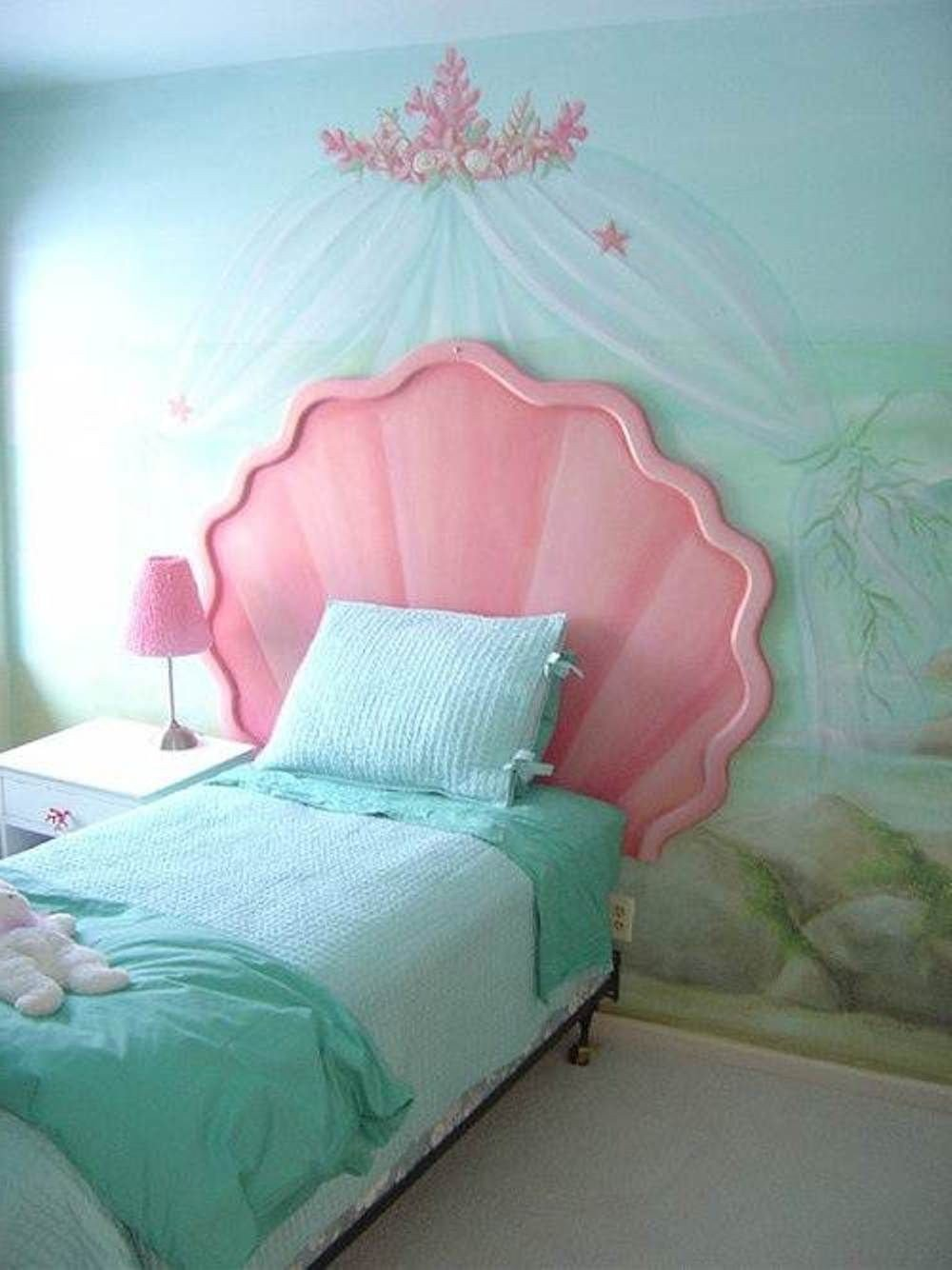 Little Mermaid Bedroom Set Elegant Howard Bragman S Contemporary Laurel Canyon Home — House