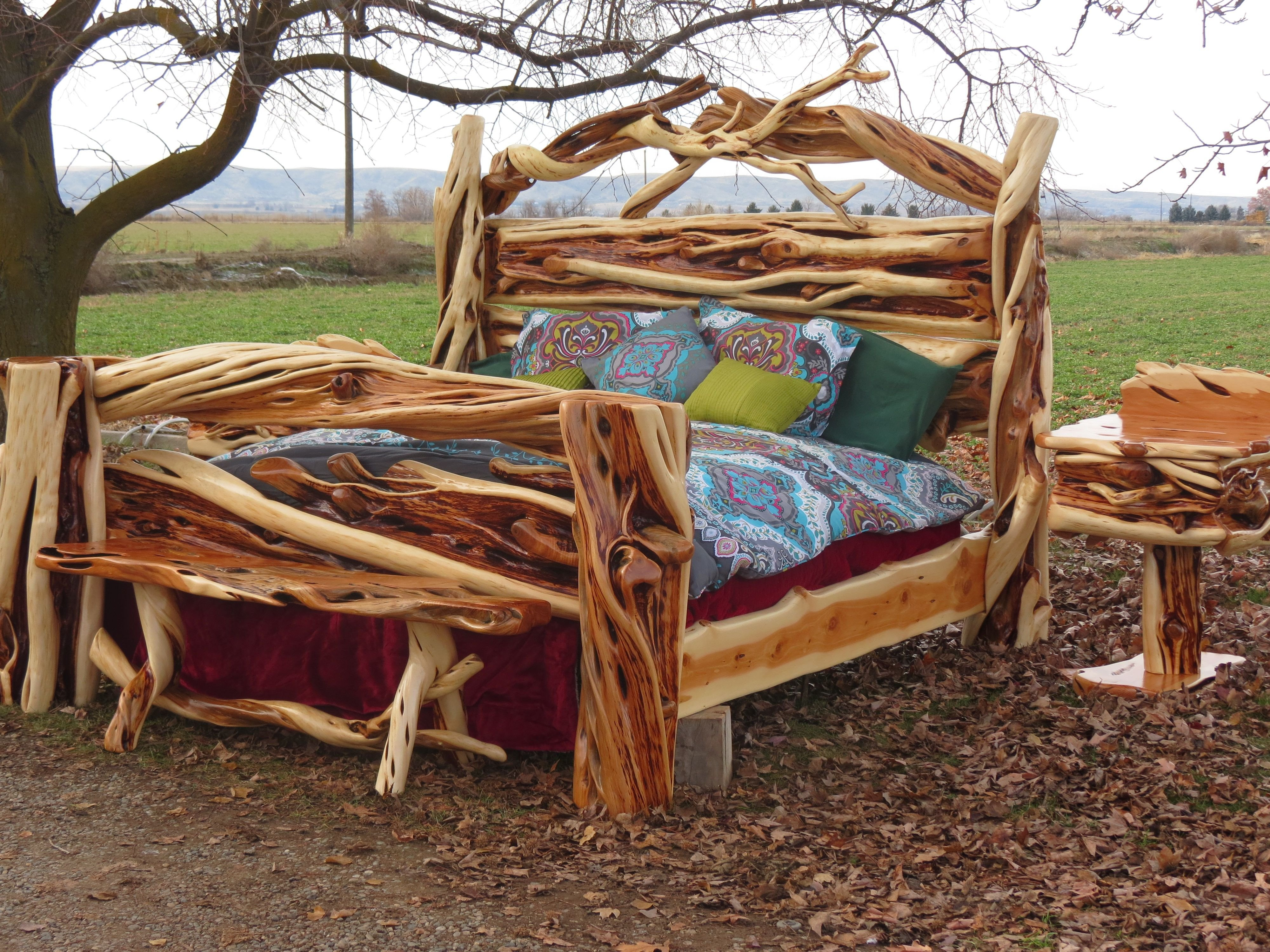 Log King Size Bedroom Set Lovely the Twists and Curves Of This Gorgeous King Slab Juniper Log