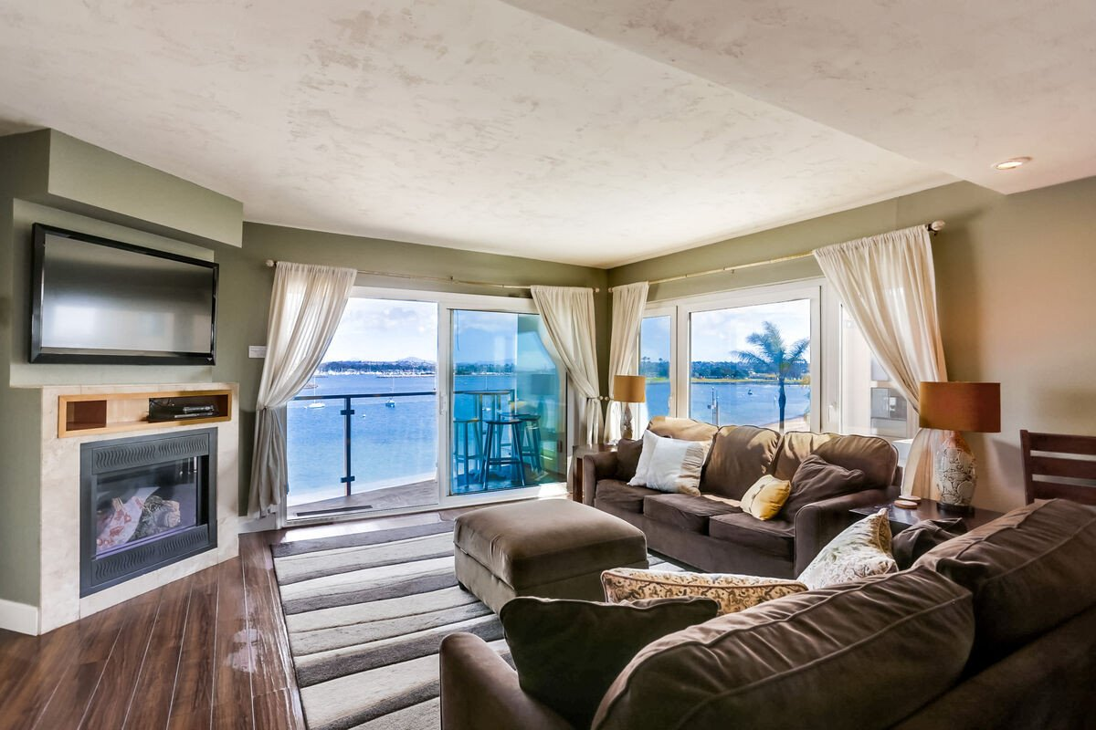 Master Bedroom with Fireplace Luxury Reserve the Cohasset2 2820bay Vacation Condo In San Diego