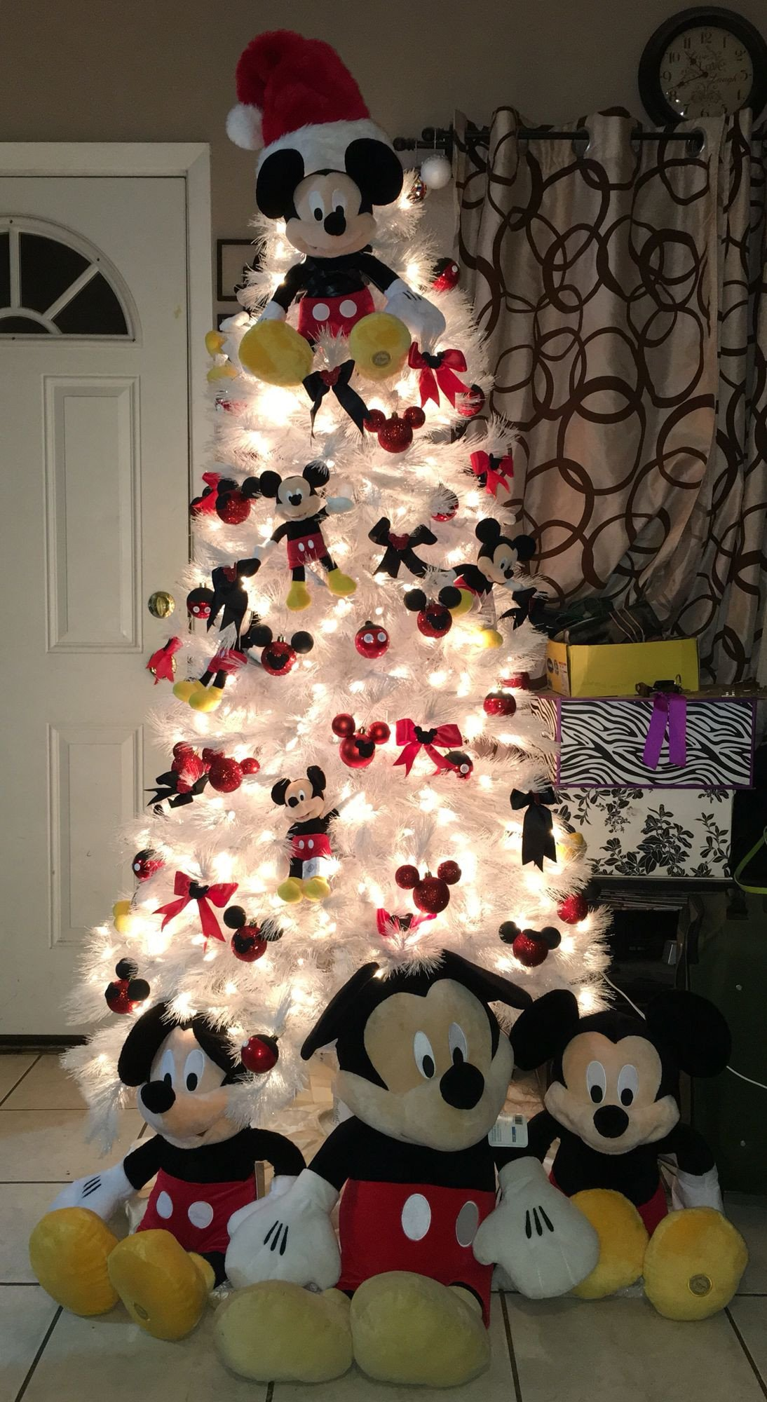 Mickey Mouse Bedroom Decorations Awesome Mickey Mouse Christmas Tree Diy