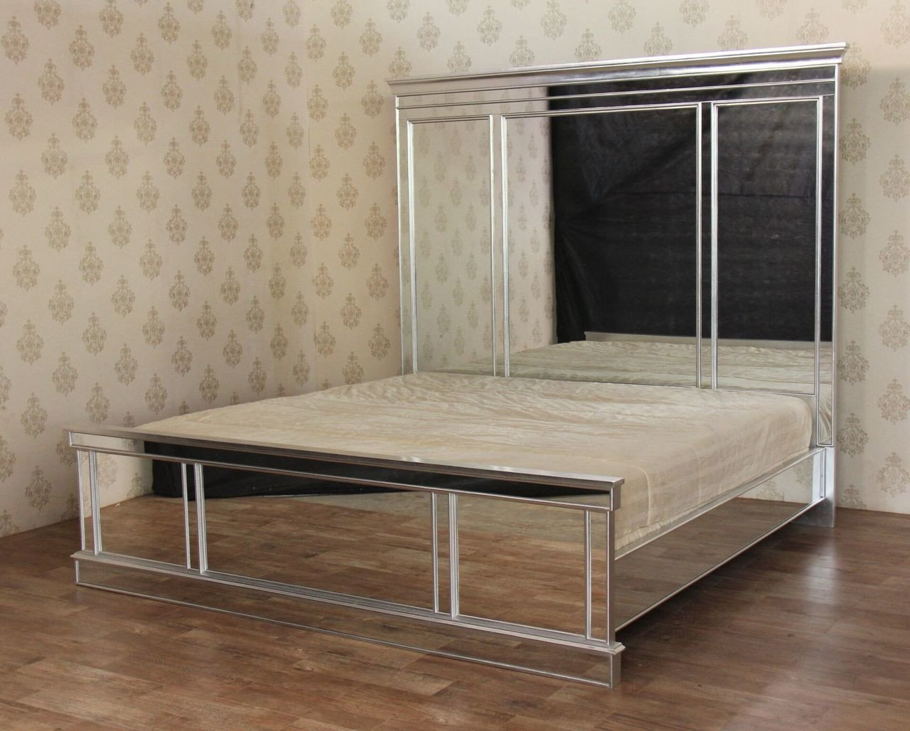 Mirrored Queen Bedroom Set New Mirrored Silver Leaf Oversized E King Mansion Panel Bed