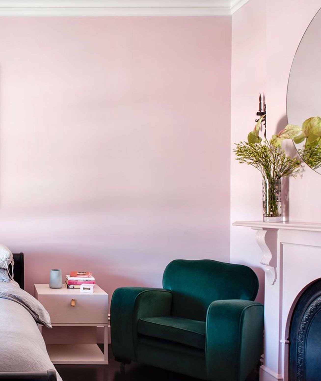 Pink Chair for Bedroom New Pin by Tyla Milan On Room Stuff