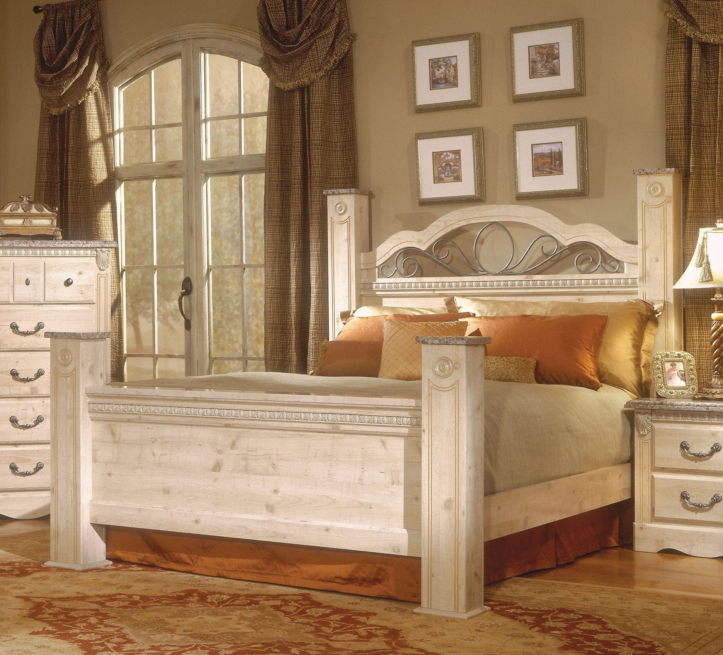 Queen Poster Bedroom Set Beautiful Seville soft White Full Queen Poster Beds