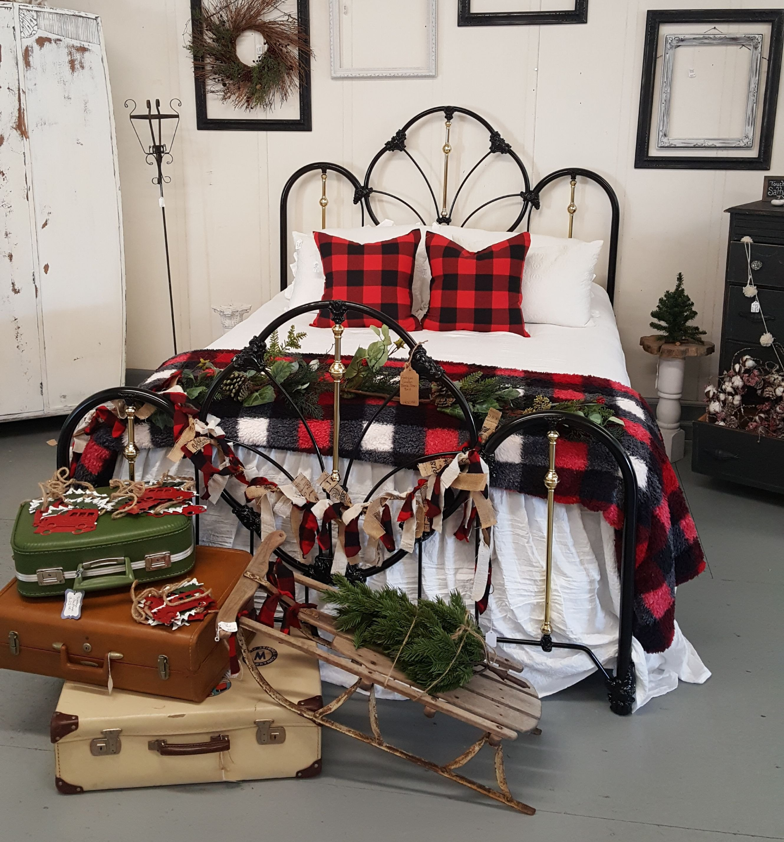 Red and Black Bedroom Set Awesome This Christmas Decorated Red and Black Buffalo Check Iron