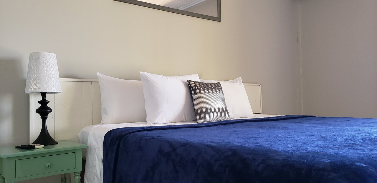 Shades Of Blue for Bedroom Awesome Caribic House $59 $̶6̶7̶ Prices & Hotel Reviews