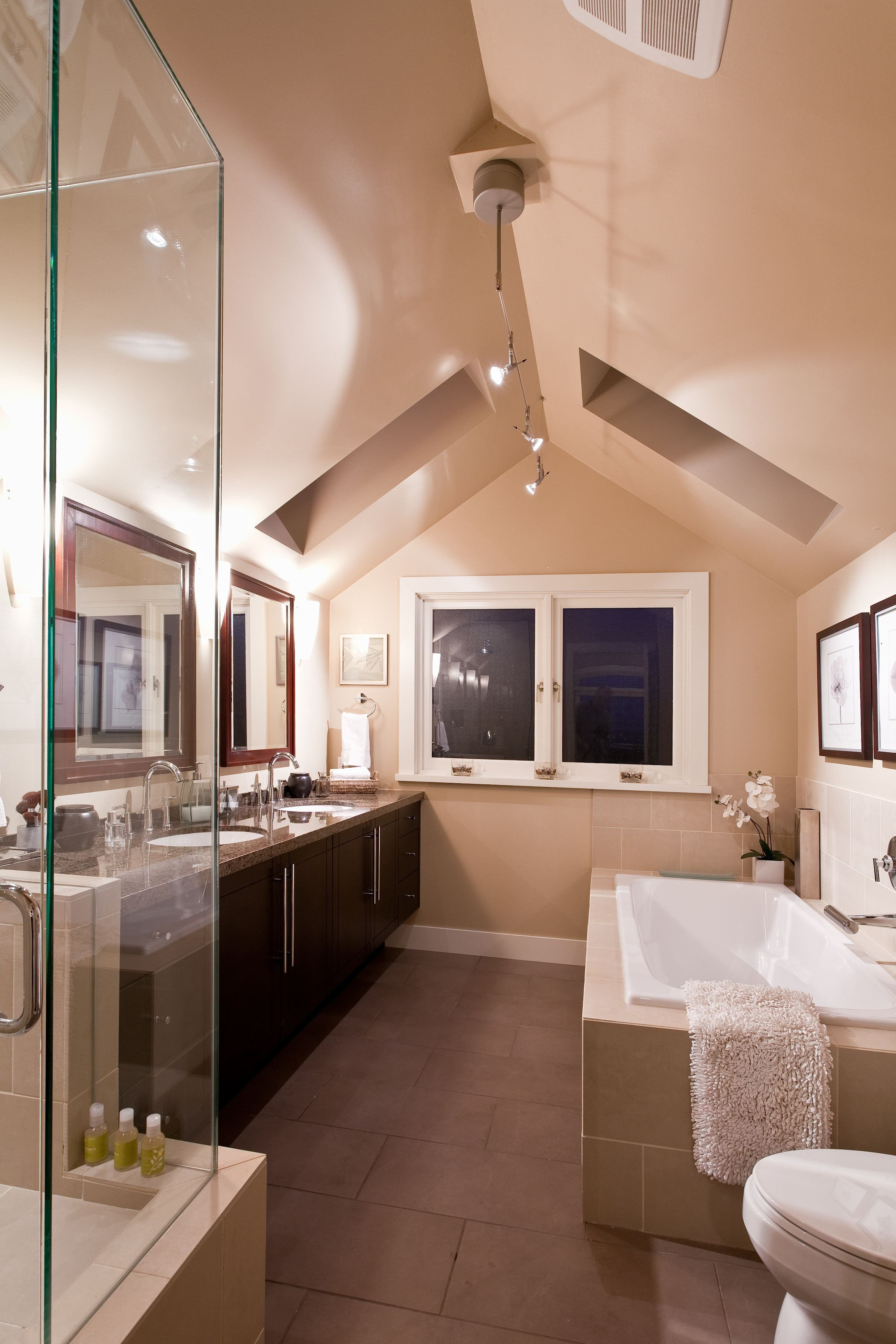 Sloped Ceiling Bedroom Ideas Best Of Master Bedroom Ensuite C W Vaulted Ceiling and Skylights