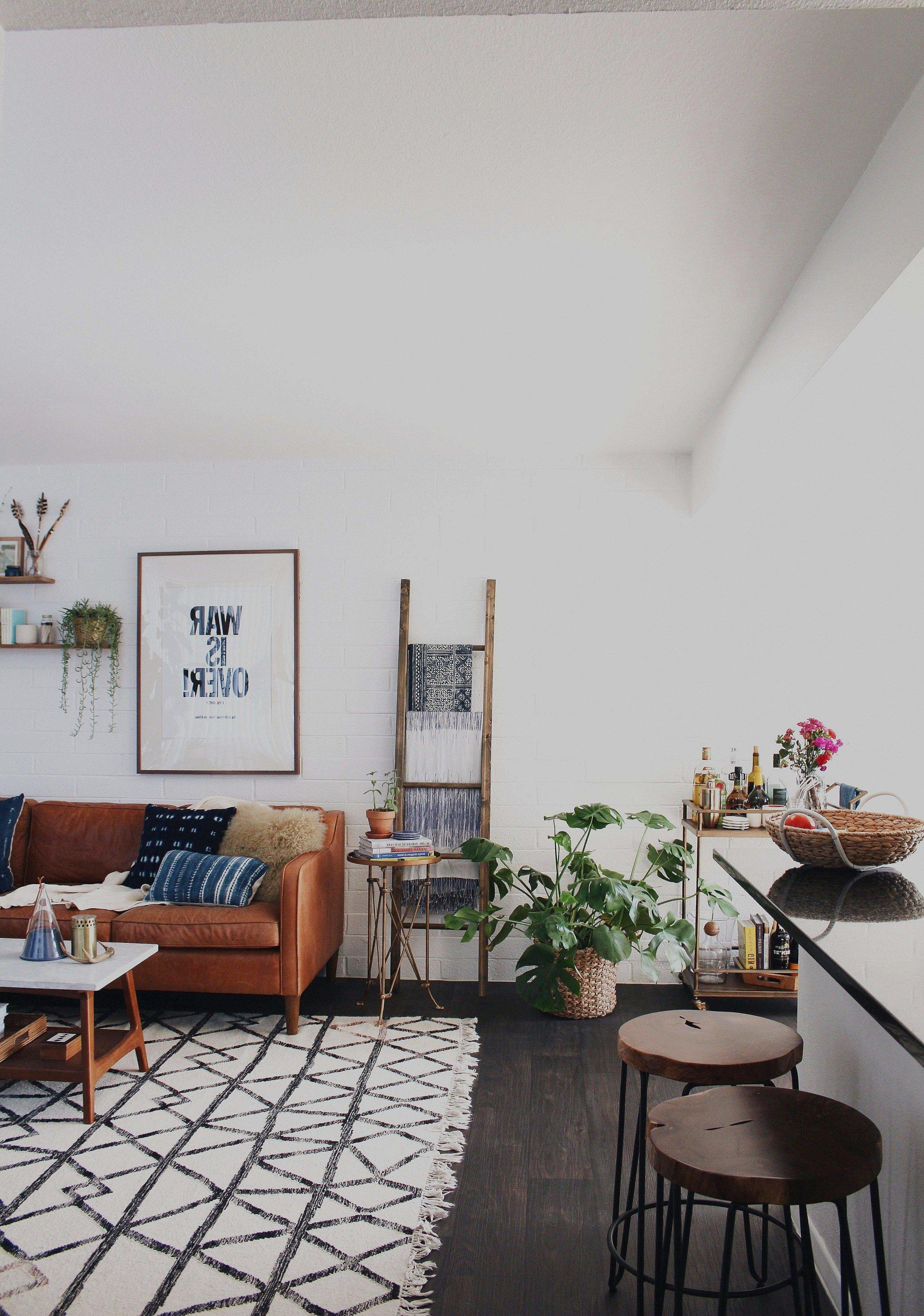 Small Shelves for Bedroom Elegant Black Wall Shelves 40 Inspirational Good Bedroom Ideas for